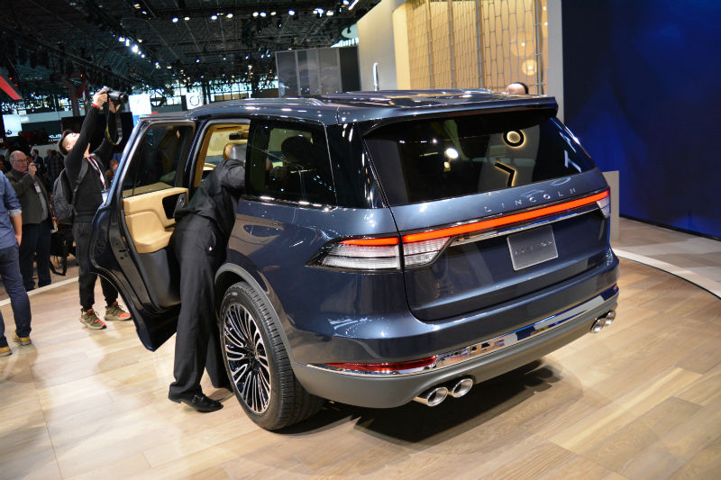 NYIAS 2018 : New 2019 Lincoln Aviator - Motor Illustrated