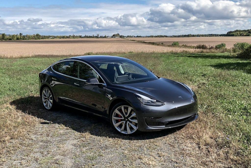 Tesla Model 3 Has A Trunk Problem - Motor Illustrated