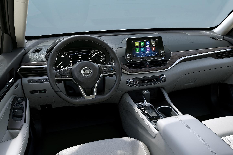 2019 Subaru Legacy vs 2019 Nissan Altima