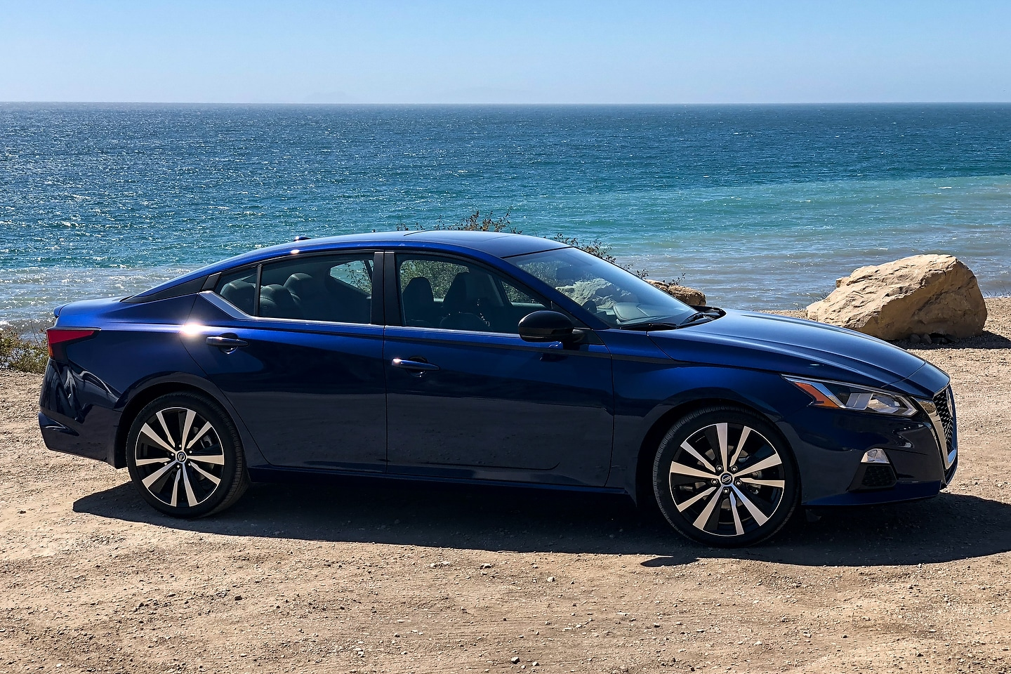 Honda Accord Vs Toyota Camry >> 2019 Nissan Altima First Review - Motor Illustrated