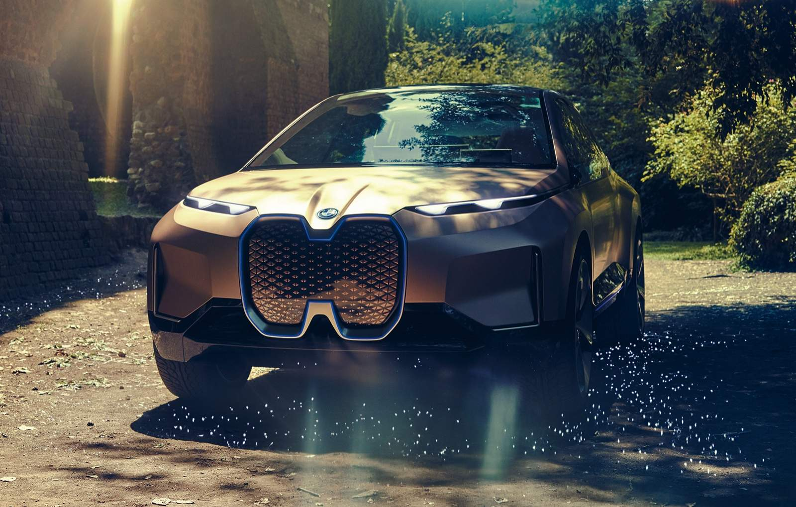 BMW iNEXT Electric Crossover 1