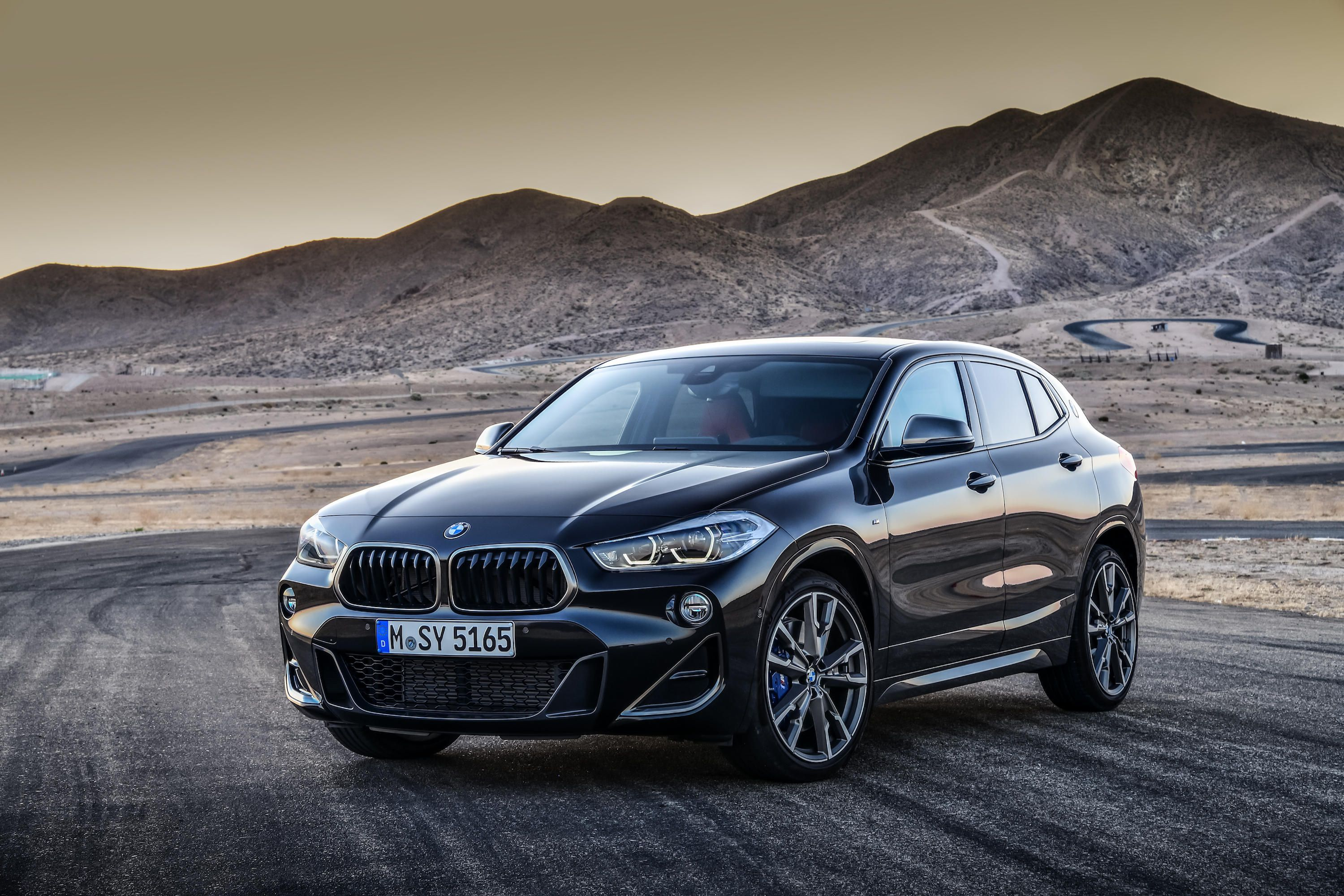 a new 2019 bmw x2 m35i with 302 horsepower motor illustrated. Black Bedroom Furniture Sets. Home Design Ideas