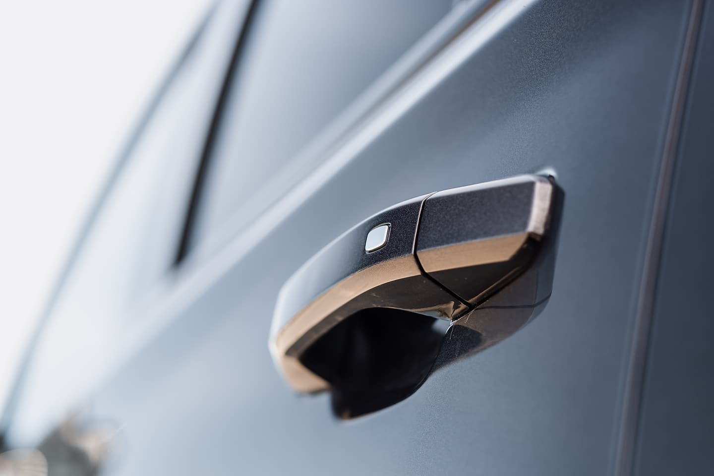 2018 Chevrolet Tahoe Premier RST door handle