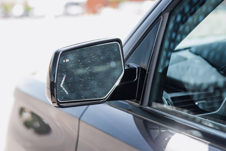 2018 Chevrolet Tahoe Premier RST mirror