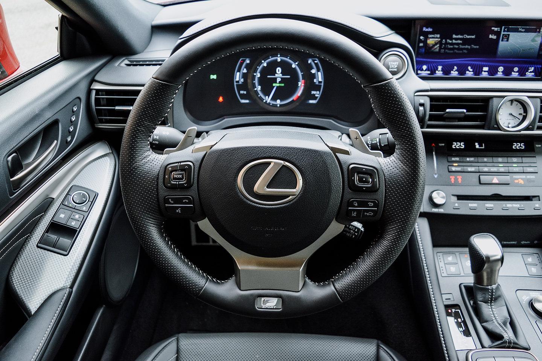2018 Lexus RC 300 AWD F-Sport steering wheel