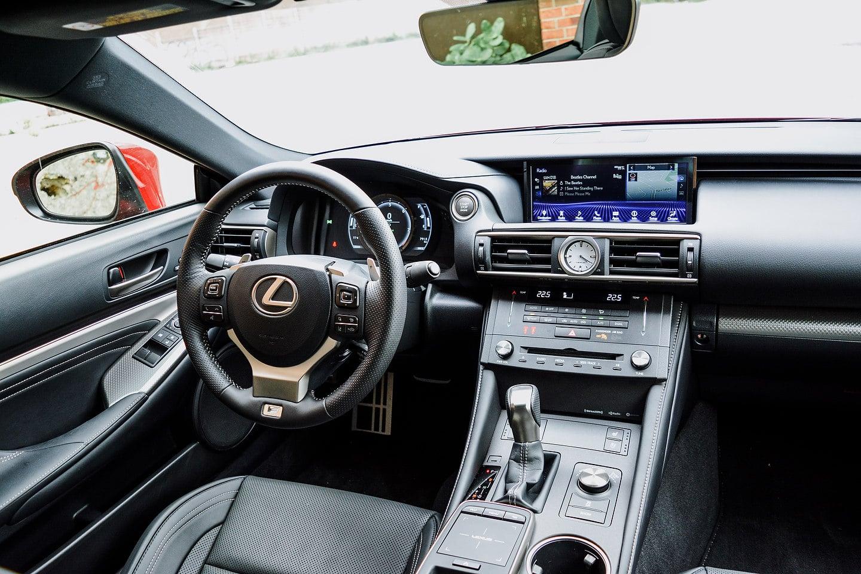 2018 Lexus RC 300 AWD F-Sport dashboard