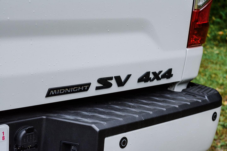 2018 Nissan Titan SV Midnight Edition Crew Cab 4x4 badge