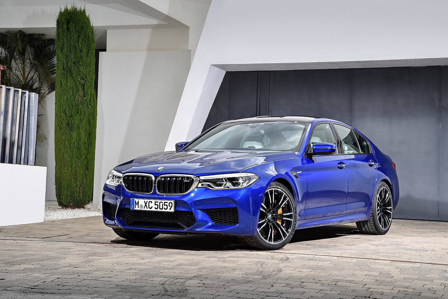 should you buy a 2019 bmw m5 motor illustrated. Black Bedroom Furniture Sets. Home Design Ideas