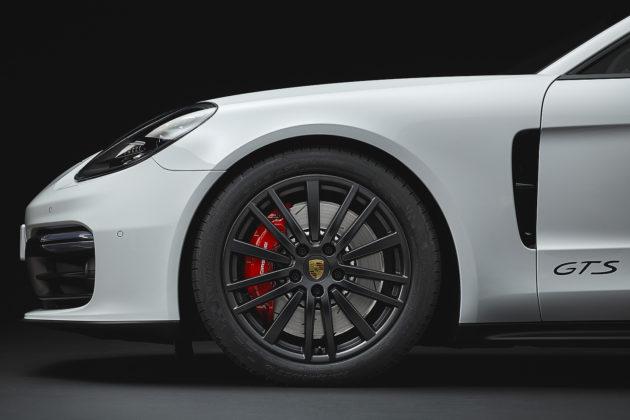 2020 Porsche Panamera GTS 20-inch Panamera Design wheel