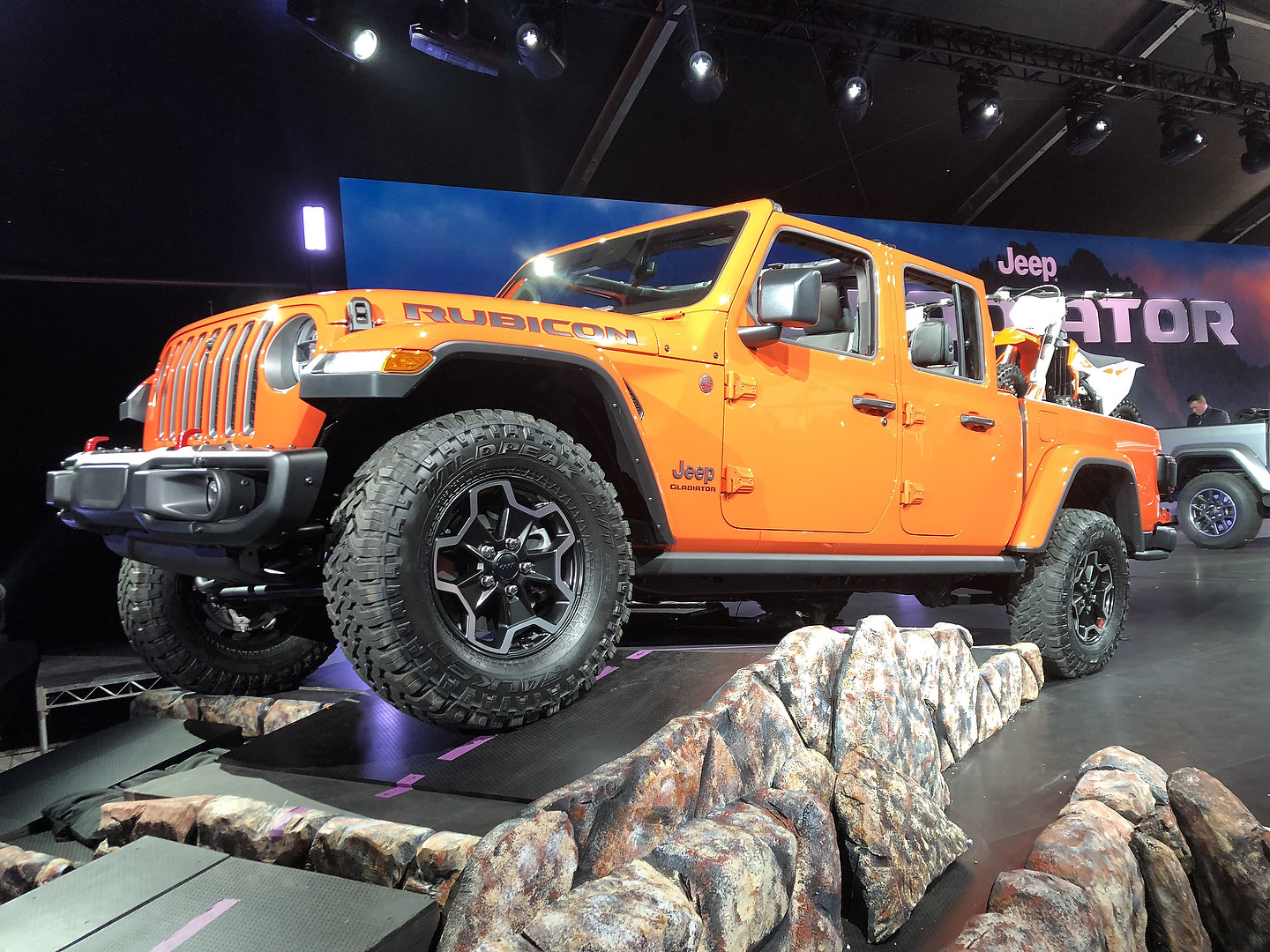 5 Things To Know About the 2020 Jeep Gladiator Pickup ...