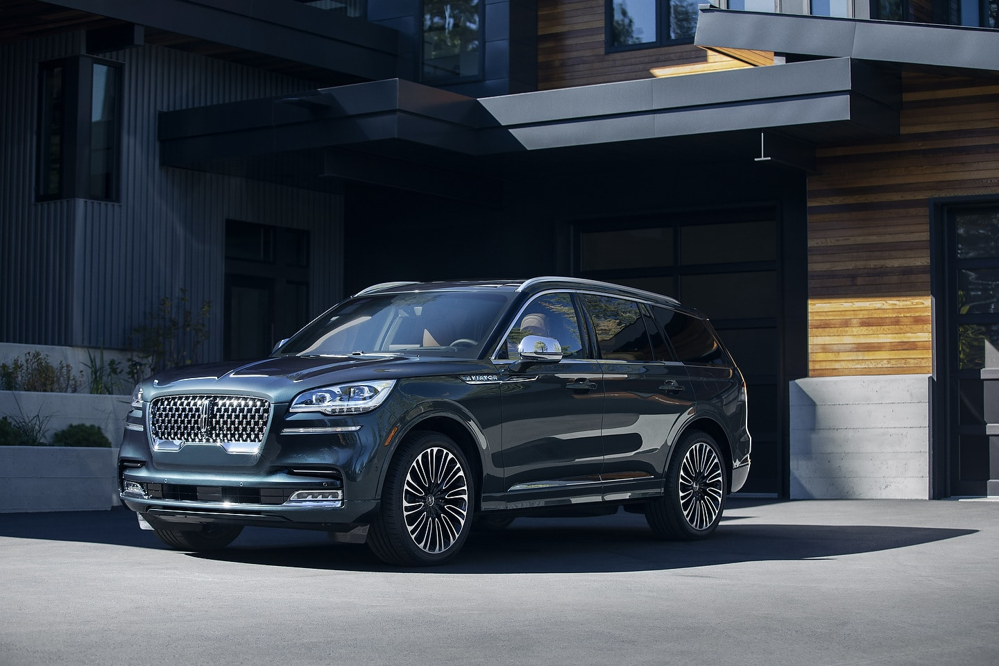 2020 Lincoln Aviator | Photo: Lincoln
