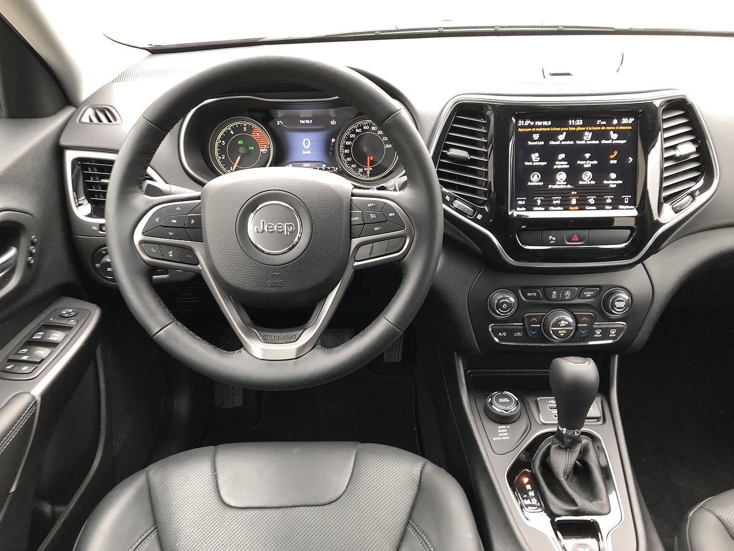 What To Use To Clean Leather Seats >> 2019 Jeep Cherokee Review: Scaling Back the Boldness ...
