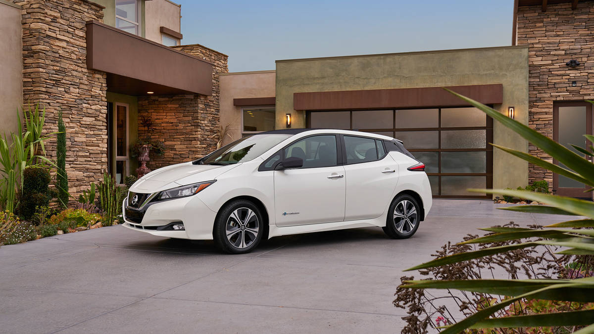 Nissan LEAF 2019 electric cars