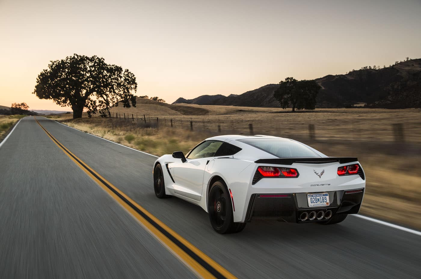 2020 Toyota Supra vs 2019 Chevrolet Corvette