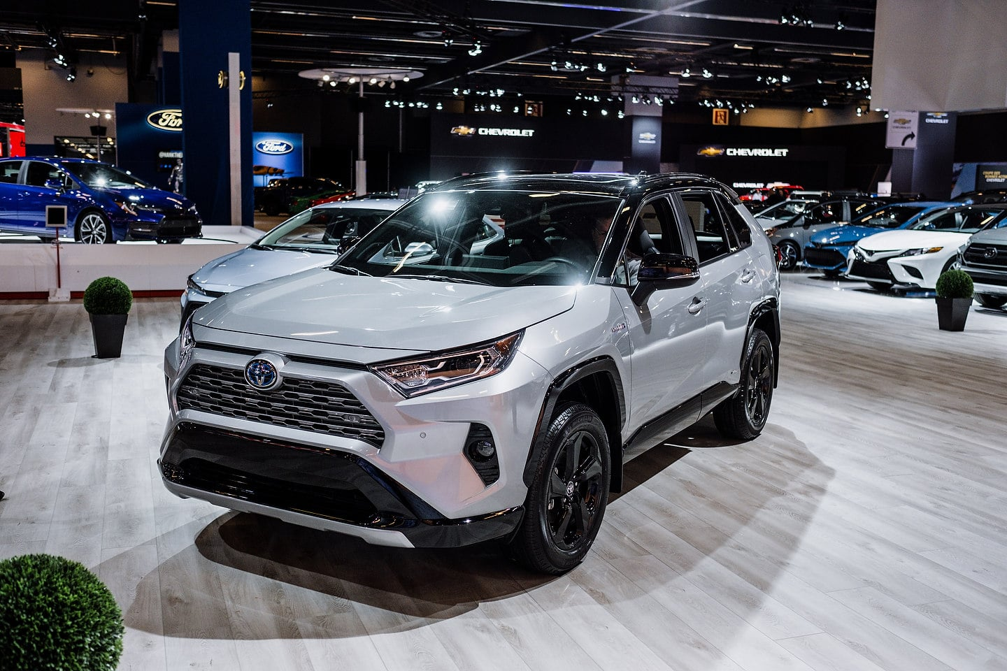 Canadian 2019 Toyota Rav4 Hybrid Price Announced Motor Illustrated