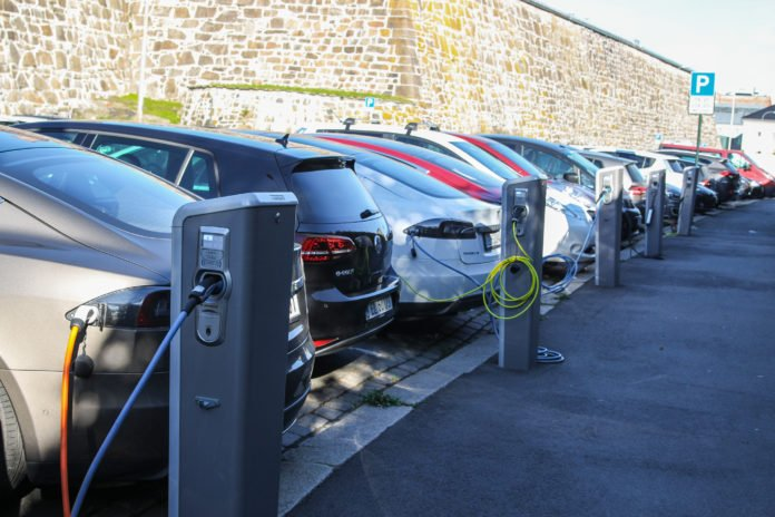 Electric vehicles charging in Norway