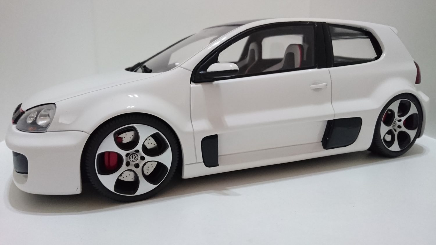 Electric Car Comparison >> Volkswagen Golf GTI May Have Over 300 Horsepower - Motor ...