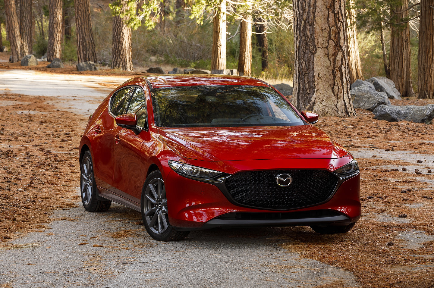 2019 mazda3 vs 2019 hyundai elantra spec comparison