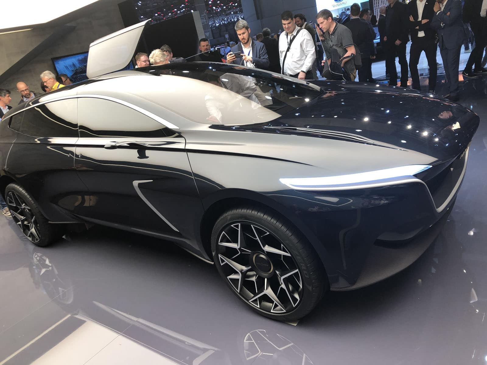 The Lagonda All Terrain Concept Is An All Electric Hyper Luxury Suv Motor Illustrated