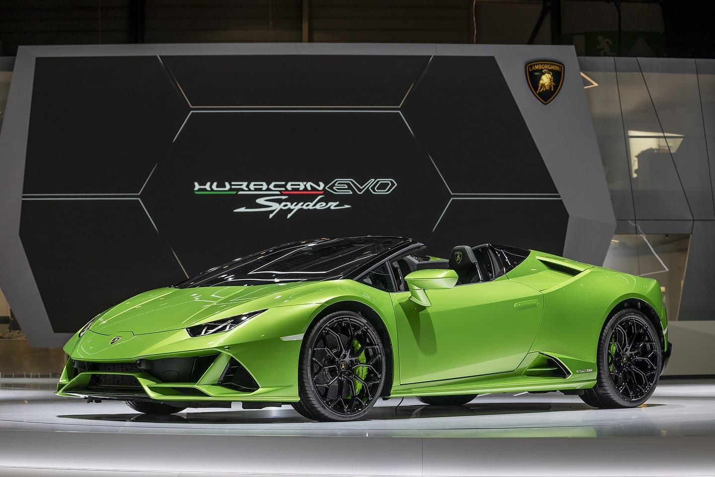 2020 Lamborghini Huracan Evo Spyder Pictures Gallery And Quick Info