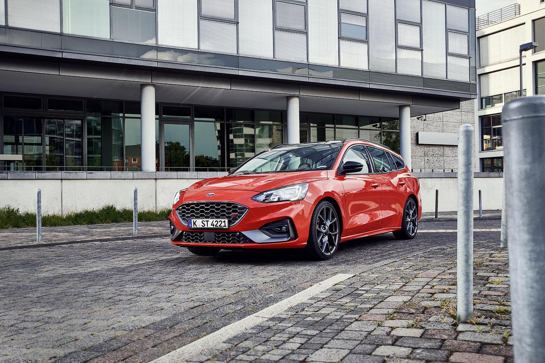 unobtainium  2020 ford focus st wagon revealed with 280-horsepower