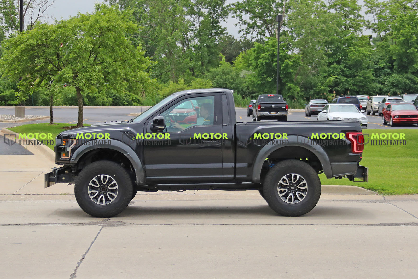 New Ford Bronco Mule Spotted Disguised As An F-150 Raptor ...