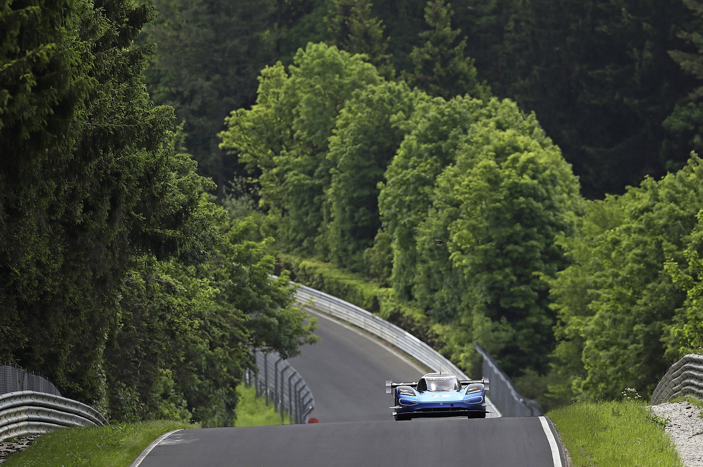 Volkswagen ID.R on the Nürburgring with Romain Dumas