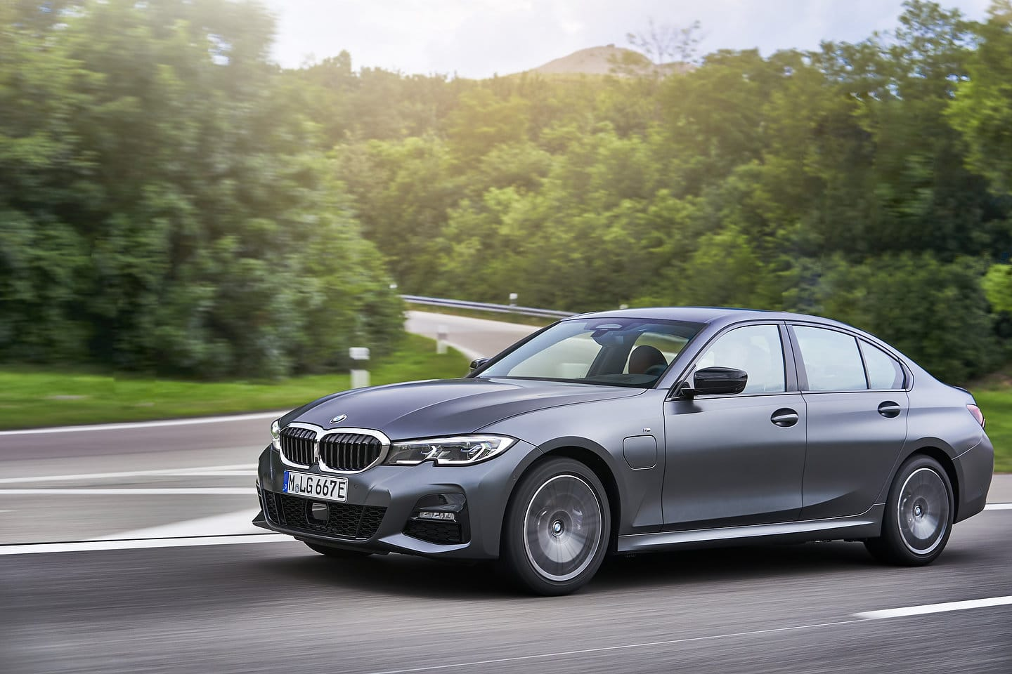 The 2020 BMW 330e Is Coming - Motor Illustrated