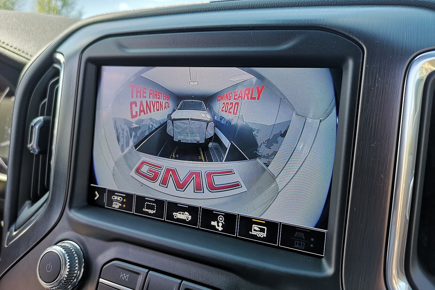 2021 GMC Canyon AT4 Teased - Motor Illustrated