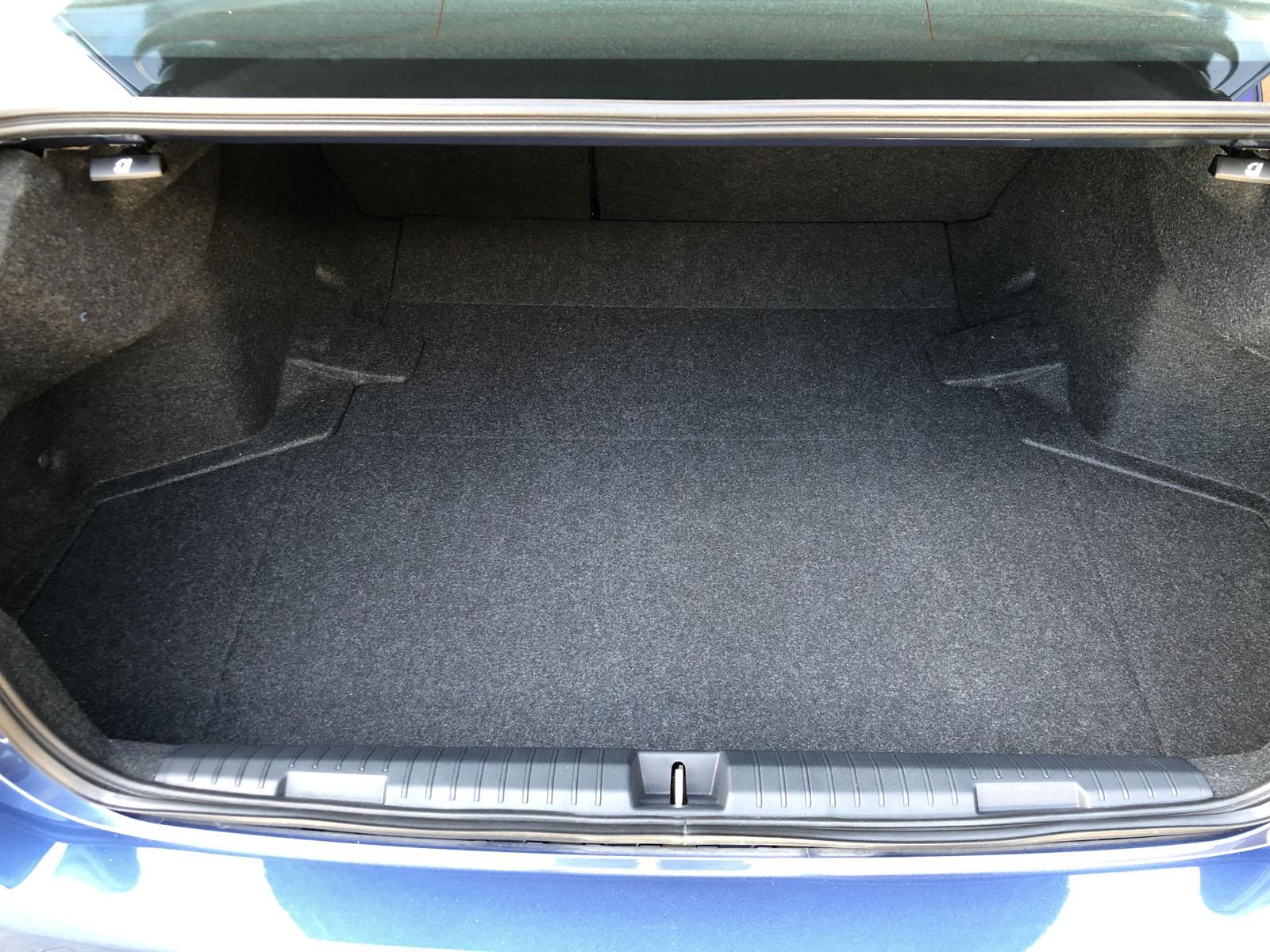 2020 Subaru Legacy trunk