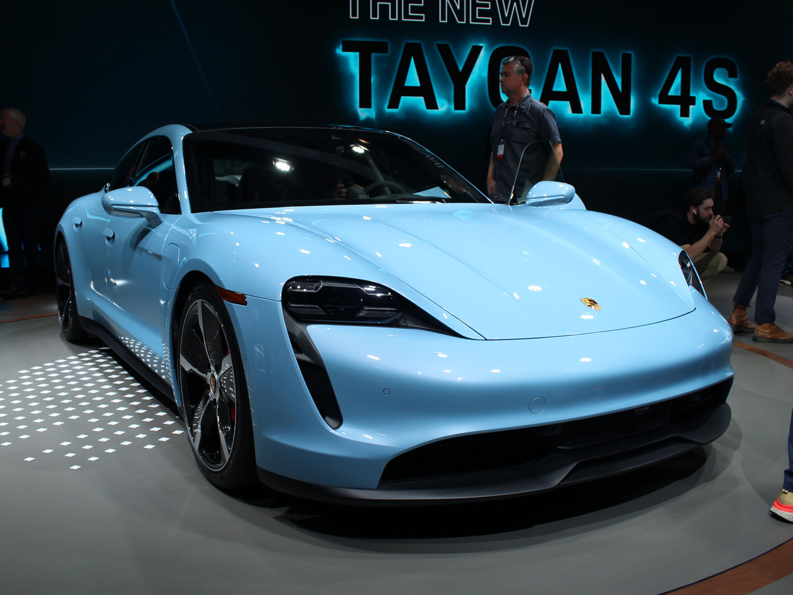 2020 Porsche Taycan 4s Unveiled In Los Angeles Motor Illustrated