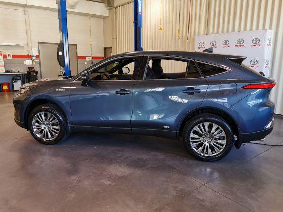 2021 Toyota Venza rear 3/4