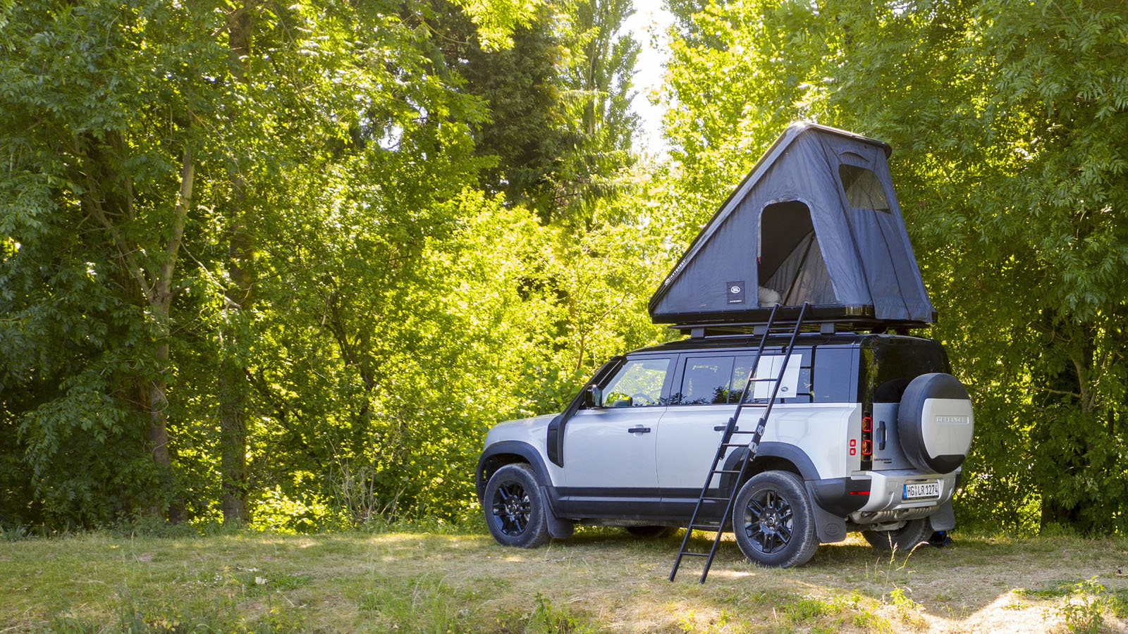 Land Rover Defender Rooftop Tent