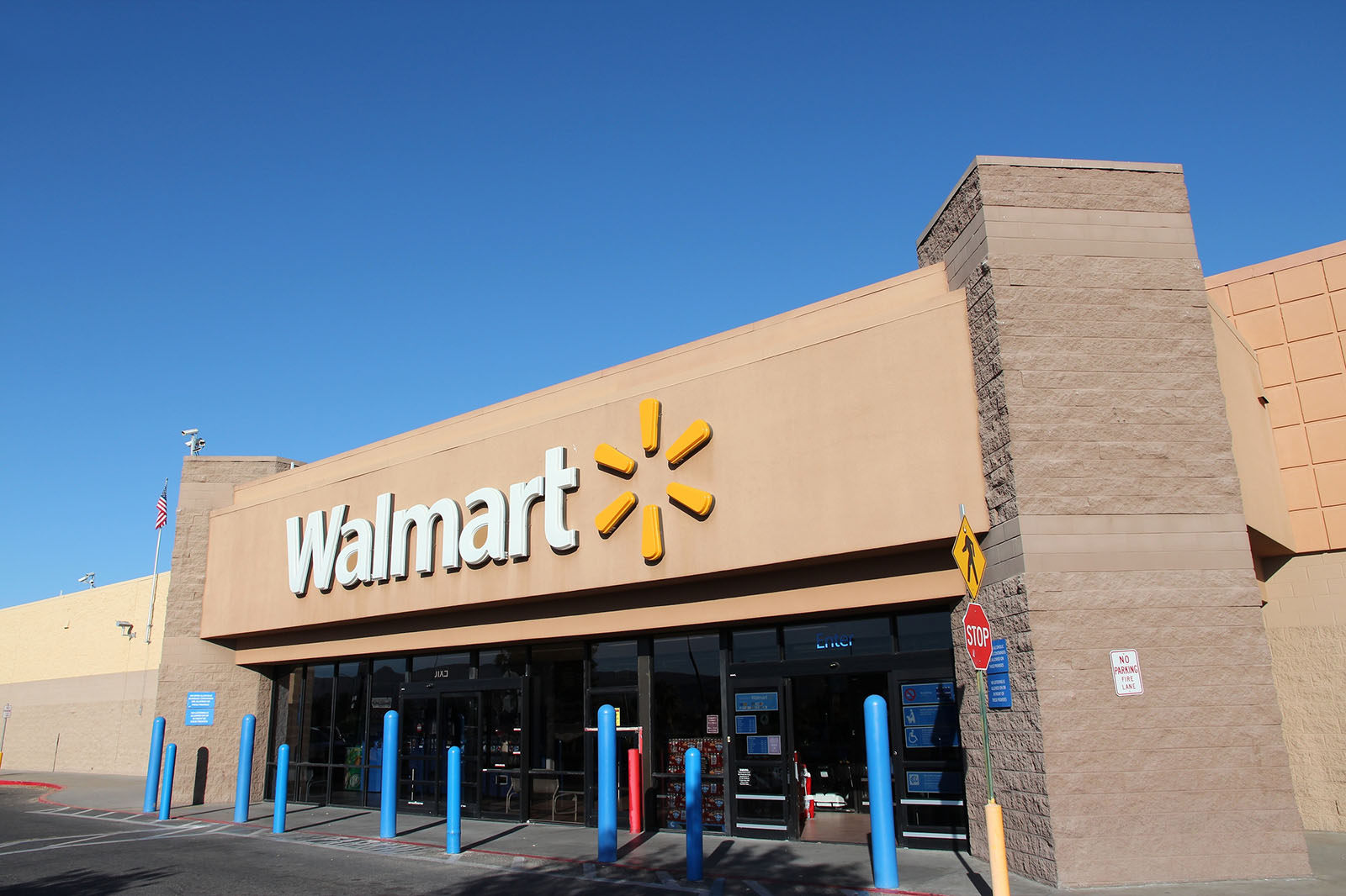 Walmart closing Lube, Express