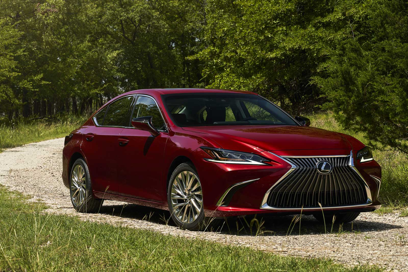 2021 Lexus ES Gets AWD, Black Line Treatment - Motor ...