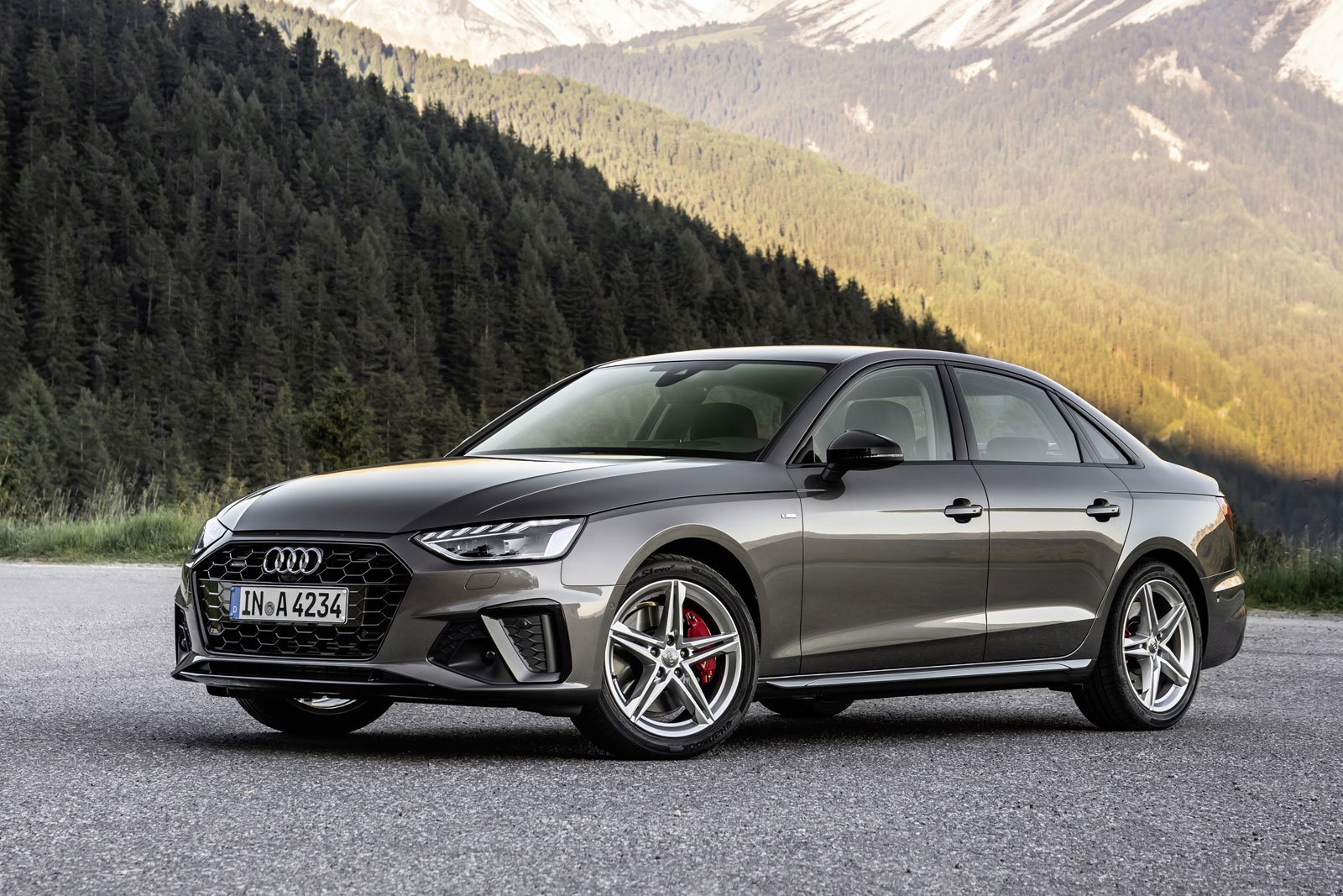 2021-Audi-A4-01