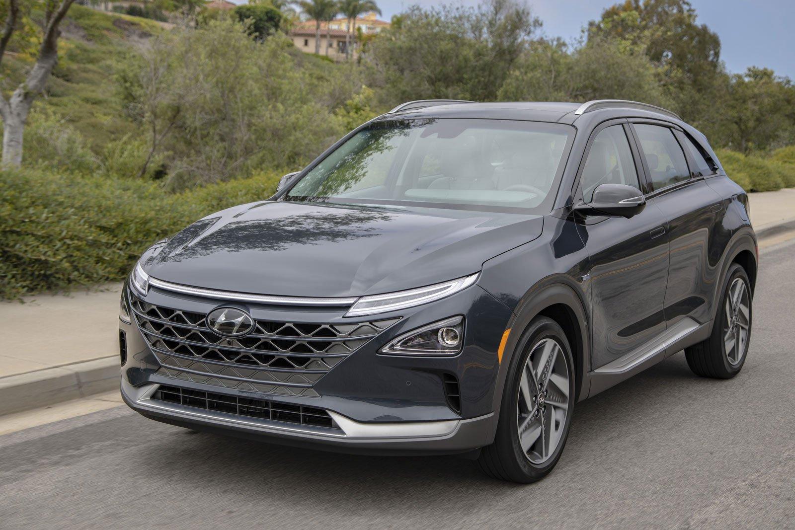 2021-Hyundai-Nexo-01