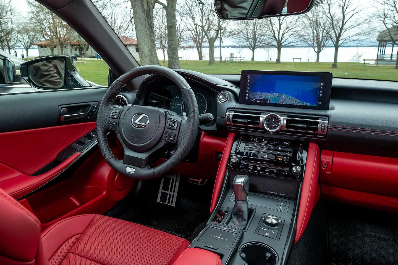 2021 Lexus IS | Photo: Olivier Delorme