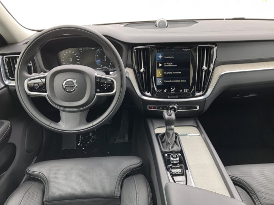 2019 Volvo V60 Cross Country