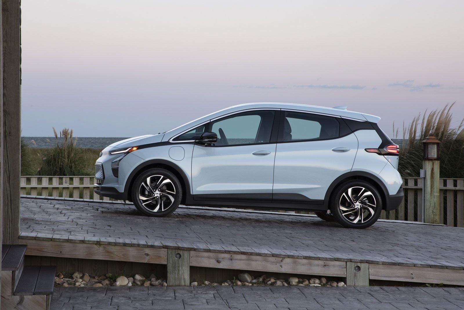 2022-Chevrolet-Bolt-EV-15