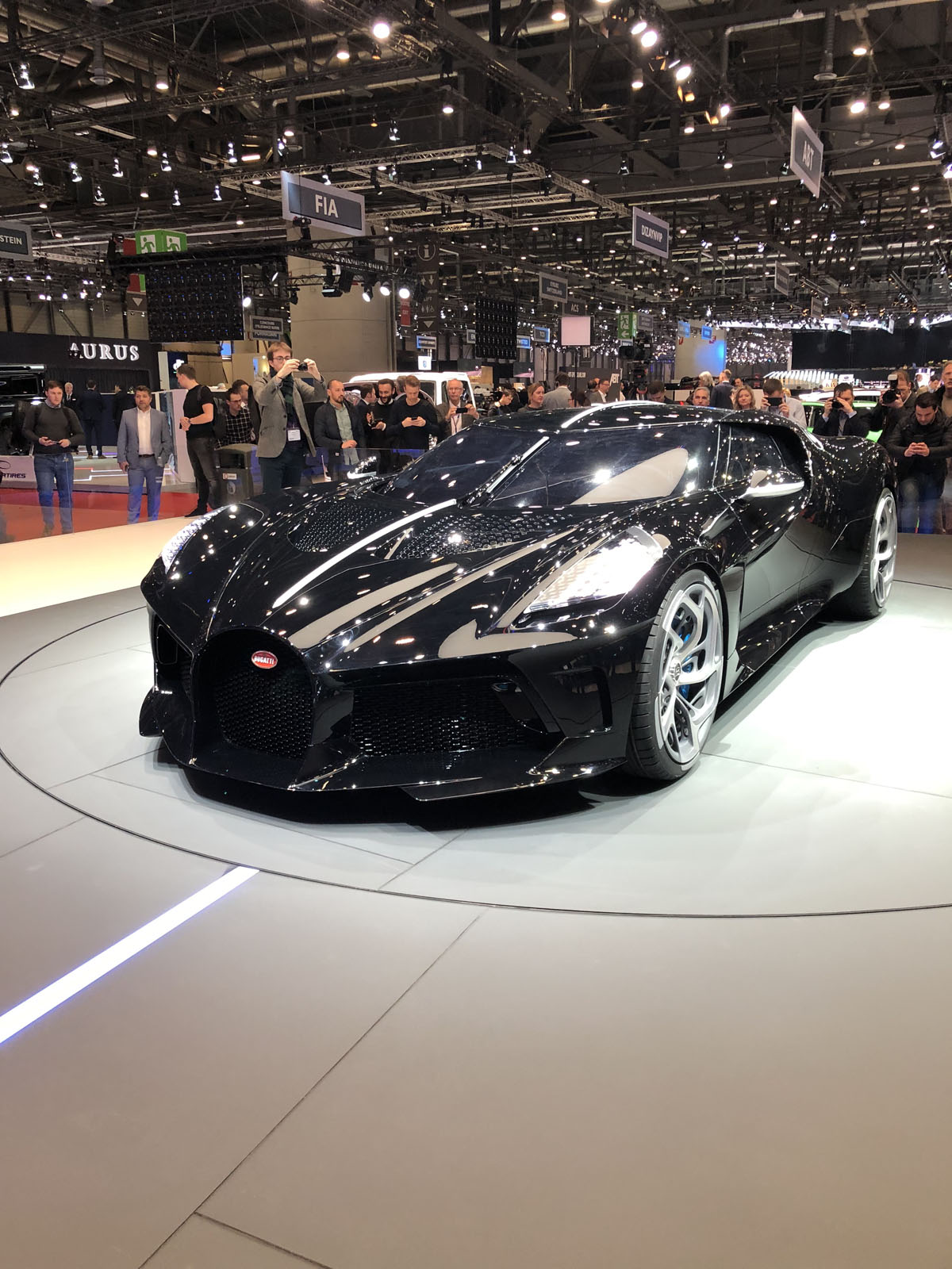 bugatti la voiture noire geneva pictures gallery  quick info motor illustrated