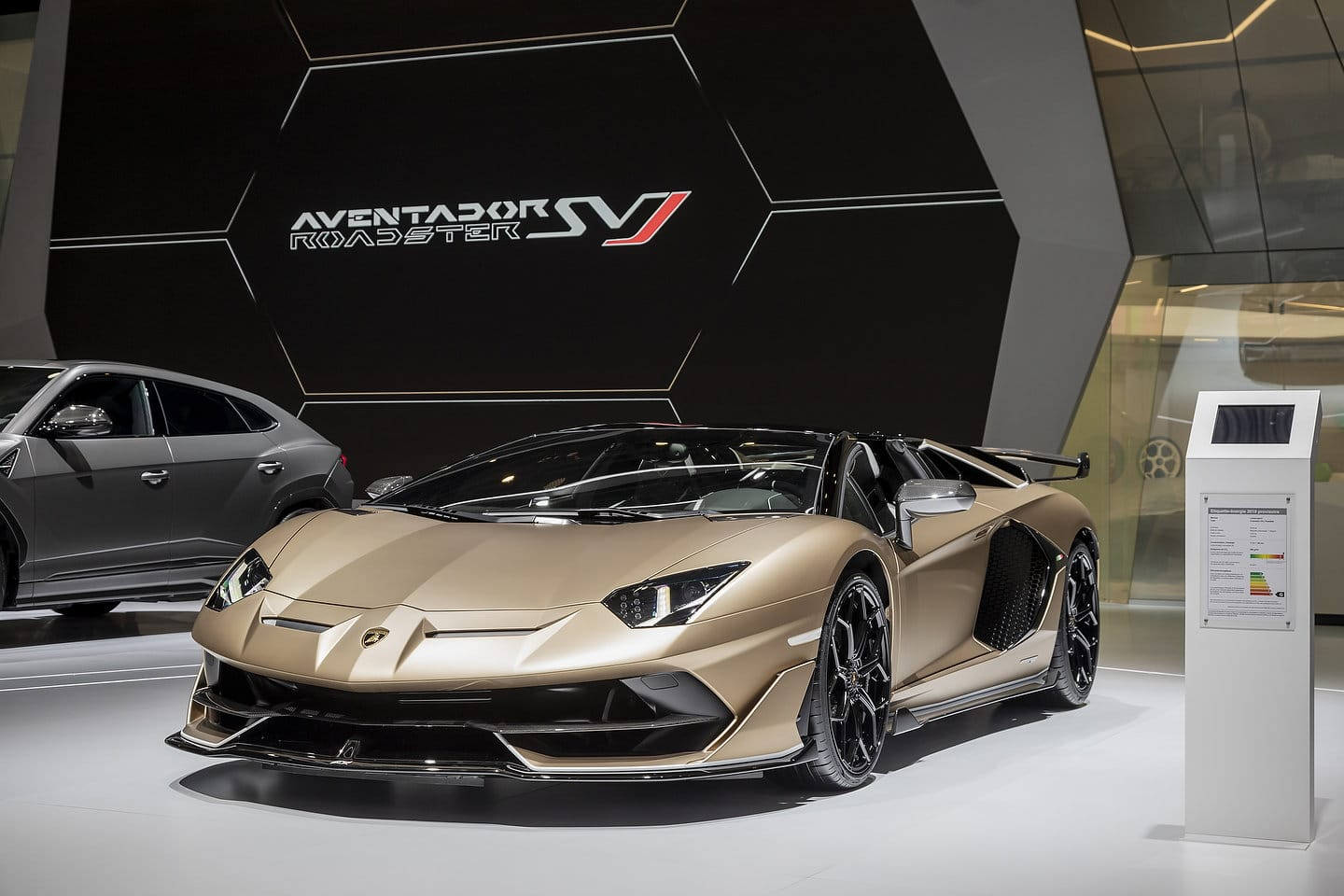 2020 Lamborghini Aventador Svj Roadster Pictures Gallery And Quick
