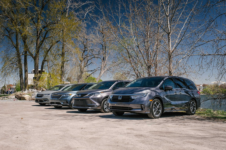 (R-L) 2021 Honda Odyssey, 2021 Toyota Sienna, 2022 Kia Carnival, 2021 Chrysler Pacifica